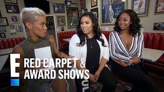 Sabrina Britt & Asia Saffold Play 'Hollywood vs. Football' | E! Live from the Red Carpet