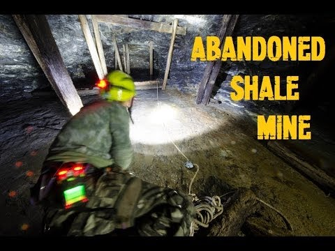 Abandoned Shale Mine - Abseil to Lower Level - Oxygen Levels Dropped! (Underground Urbex)