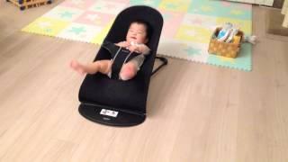 バウンサーの使いがすごい赤ちゃん thumbnail
