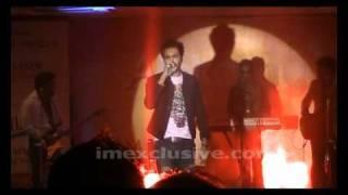 MUSTAFA ZAHID SINGING TO PHIR AAO AT KINSHA LAUNCH SHOW