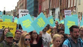 Irlande: marche silencieuse contre les abus au sein de l'Eglise