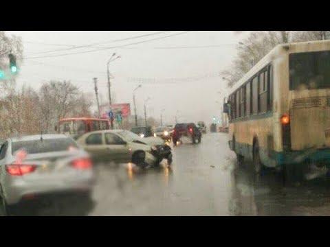 КСТОВСКИЙ 225 АВТОБУС ПРОТАРАНИЛА ЛЕГКОВУШКА