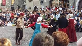 Gromo medievale: Bourreè a due tempi  in cerchio