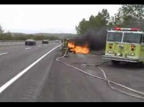 Vails Gate FD Car Fire on NYS Thruway - YouTube