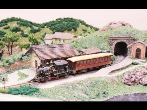 Ron Vaz's Brazilian Z Scale Train Layout (HD)