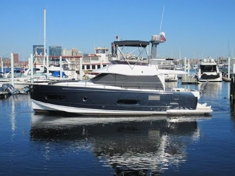 2014 Azimut 43 Magellano Yacht For Sale at Marine Max Sarasota