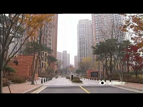 l'Empire Samsung - Un Oeil sur la Planete - YouTube.flv