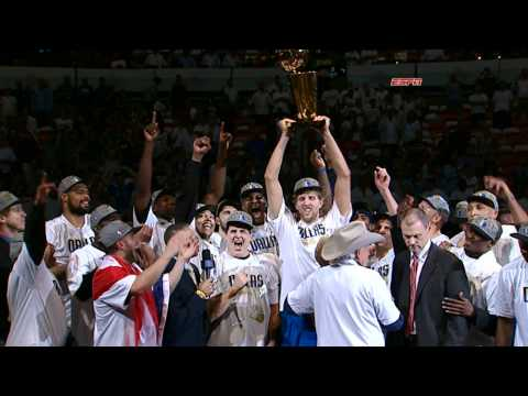 The Dallas Mavericks Raise the Trophy