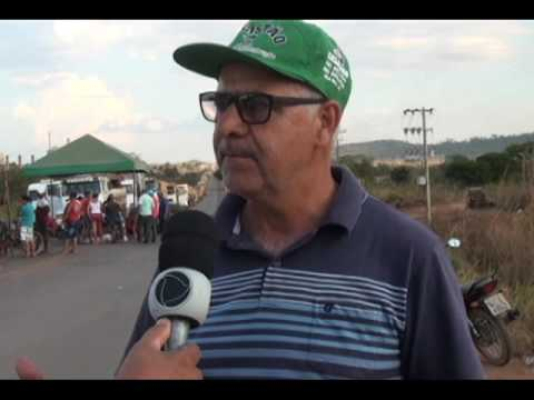 CAMINHEIROS FAZ BLOQUEIO NA BR 158 NO MUNICÍPIO DE VILA RICA MT