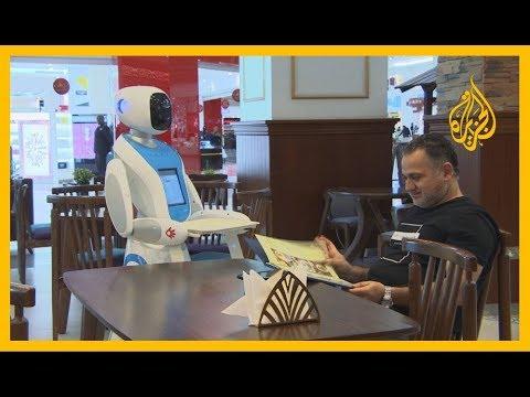 تعمل في البنوك والضيافة.. الروبوتات تدخل بيئة العمل القطرية  - 15:00-2019 / 12 / 8