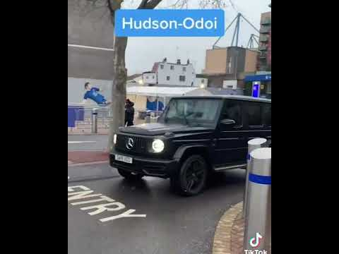 Chelsea players leaving the parking lot || player cars