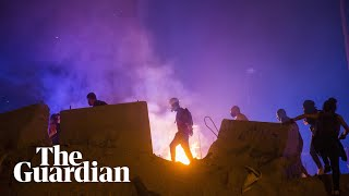 Beirut: protesters clash with police outside Lebanon's parliamentary precinct
