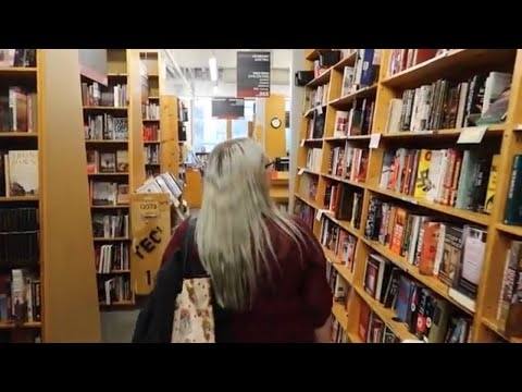 Powell's Books Portland   Vlogmas Day 5 Portland vlog!