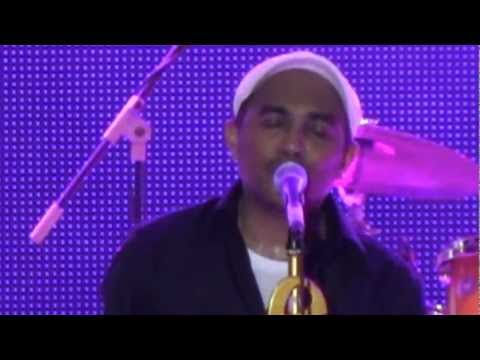 Glenn Fredly - Timur ~ Kasih Putih @ Jakarta Fair 2012 [HD]