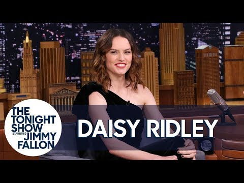 Download Youtube: Daisy Ridley Bartended a Star Wars Wrap Party