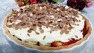 Torta De Creme De Chocolate Com Morangos E Bananas