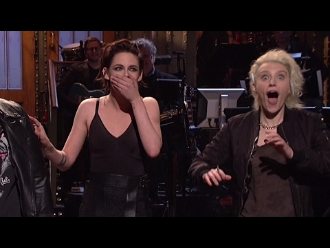 "Kristen Stewart Drops F-Bomb, Calls Out Trump & Calls Herself ""So Gay"" On SNL"