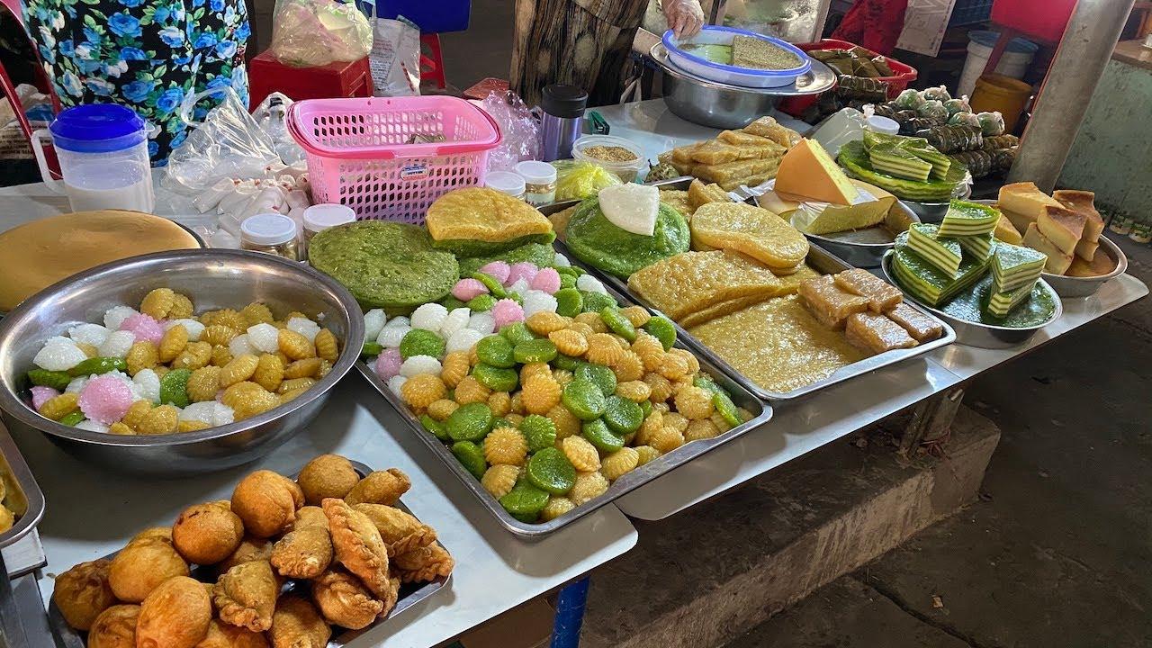 Quầy bánh miền tây đủ loại bán hơn 60 năm ở chợ Cao Lãnh Đồng Tháp