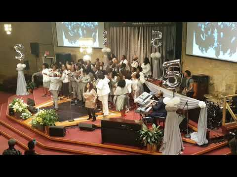 Sharon Riley & Faith Chorale - Medley