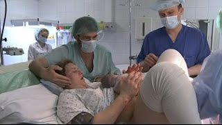 Newborn Russia Natural Birth into Warm Water at Home without Anesthesia New 2016
