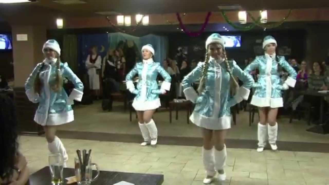 samie-klassnie-snegurki-video-igraet-s-grudyu-zhenshini-porno