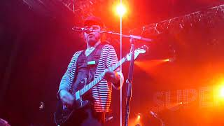 Supergrass - Outside (Toulouse 2009)