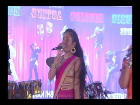 Indhana Vinva Gaiti Riddhi Shah & Puja Barot 1