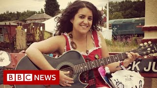 'Why should we panic about having our period at a festival?' - BBC News