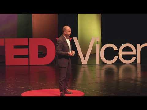 La Digital Transformation Chiede Governance… Blockchain Risponde | Massimo Ippoliti | TEDxVicenza