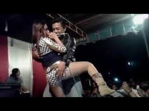 Dangdut Hot Buka Bukaan- Goyang Dong - YouTube