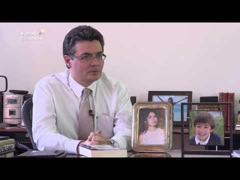 Conozca a Alejandro Gaviria, Ministro de Salud, en su rol de padre