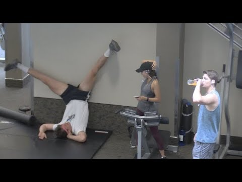 WEIRD WORKOUTS IN THE GYM PRANK!