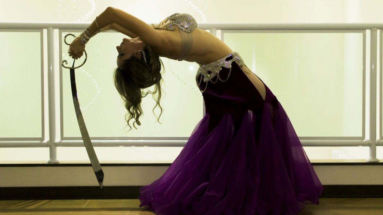 aa12096d4e Além de sensual e feminina, a Dança do Ventre traz inúmeros benefícios para  a mulher - YouTube