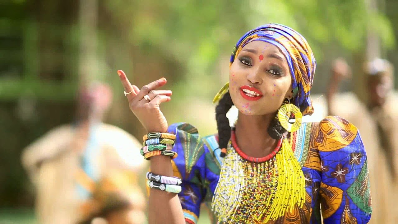 Download Hauwa Yar Fulani - Gen Muhammadu Buhari   ALLAH RENE (Official Music video 2019)