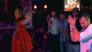 Классный СЮРПРИЗ на день рождения с восточными танцами в  караоке-клуб Дорффман
