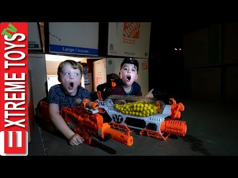 Final Showdown with Mysterious Garage Creature! Sneak Attack Squad Nerf Battle!