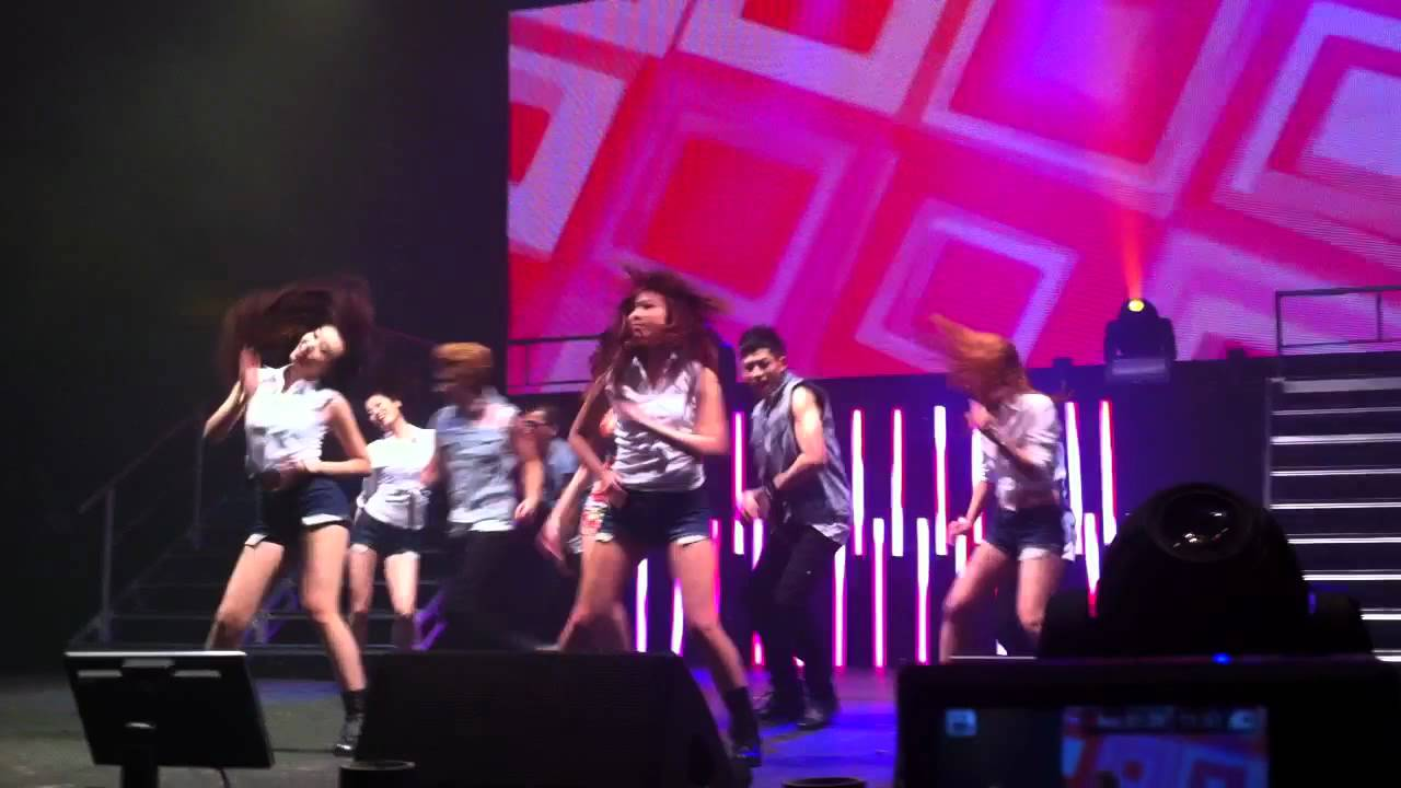 Hyuna bubble pop fancam 9