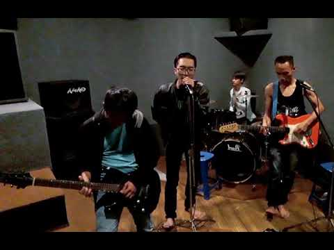 Free Download Aisyah Part 2 - Five Minutes (cover) By Alfended Mp3 dan Mp4