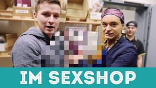 Im Sexshop mit Julian F.M. Stoeckel & die Gewinner der Sex Toy Pakete!
