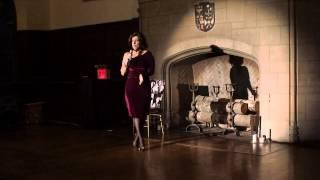 Silvina Guzman en Tita Merello cantando