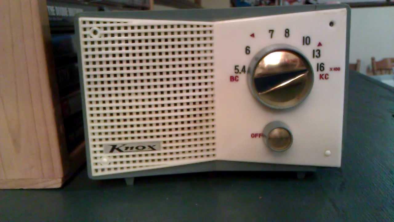 39 60s japanese midget drug store 5 tube radio very small tube radio youtube. Black Bedroom Furniture Sets. Home Design Ideas