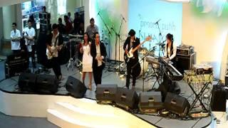 The Poneeto - Tuhan Aku Jatuh Cinta @Mall Bali Galeria