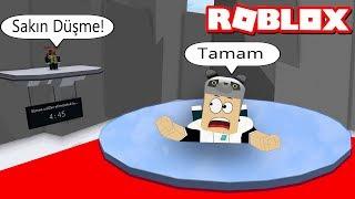 We're Playing What Simon Says! - Says Roblox Simon with Panda