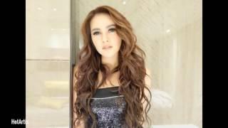 Download Video Olla ramlan hot artis indonesia MP3 3GP MP4
