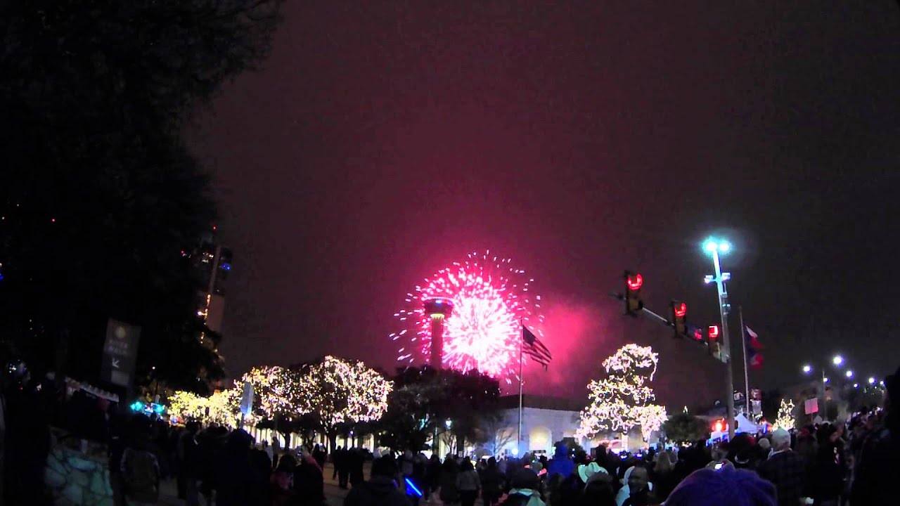 2015 New Year s Eve Fireworks   San Antonio  Texas   YouTube