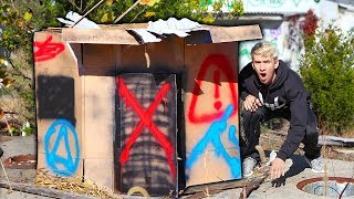 connectYoutube - EXPLORING ABANDONED BOX FORT!!