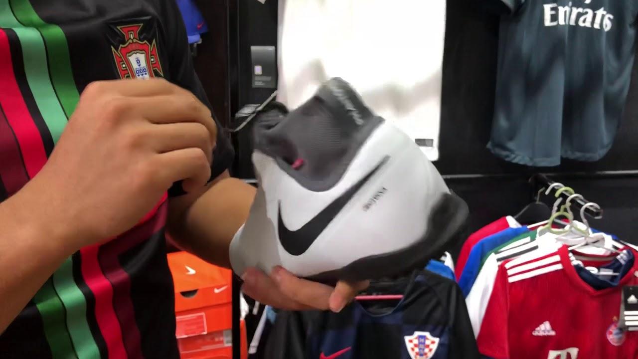 Xuanthanhsoccer.vn trên tay : Nike Phantom VSN Pro DF TF React