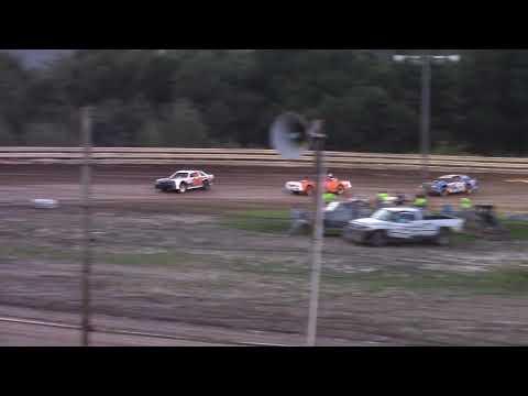 Hummingbird Speedway (9-1-18): Sunny 106.5 FM Pure Stock Heat Race #1