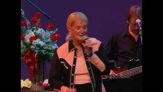 Lynn Anderson - Rose Garden (Renaissance Center 2006)