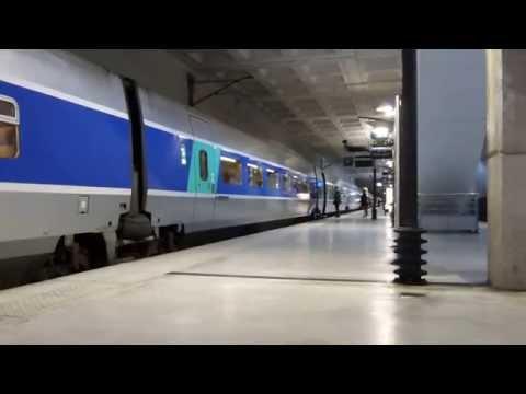 TGV naar Nantes en Rennes verlaat het station Lille Europe